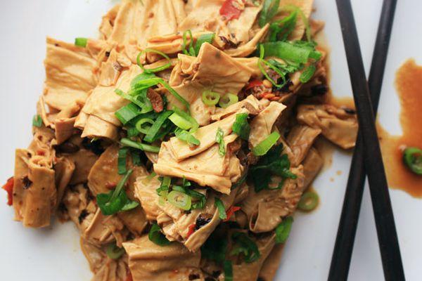 20121019-chichis-chinese-tofu-skin-chili-bean-paste.jpg