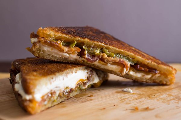 20150219-grilled-jalapeno-popper-cheese-sandwich-vicky-wasik-1.jpg