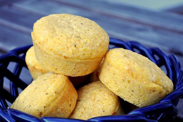 20130301-wakeandbake-oldbay-cheese-muffins.JPG