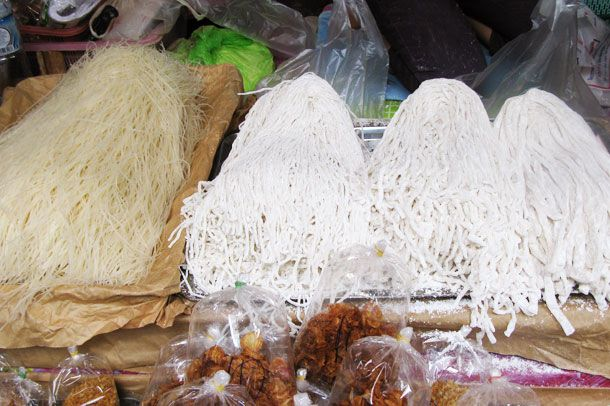 20130210-240269-laos-noodles-market.jpg