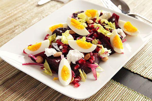 20121107-beet-egg-salad-1.jpg