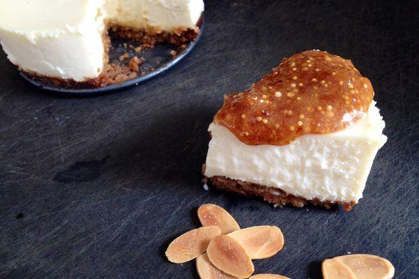20131121-very-small-anna-goat-cheese-cheesecake.jpg