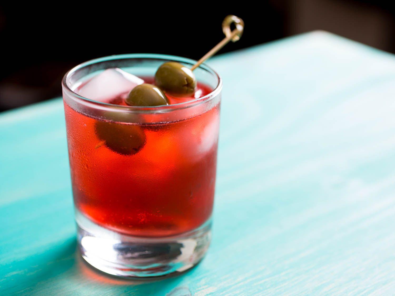 20150618-three-ingredient-cocktails-campari-spritz-vicky-wasik