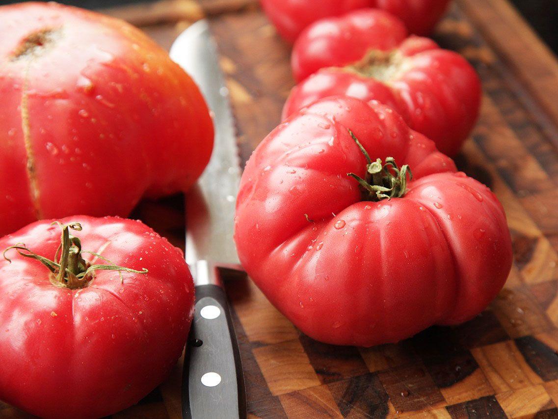 20130827-easy-gazpacho-how-to-recipe-03.jpg