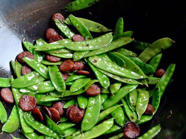 20110217-136932-snow-peas-chinese-sausage.jpg