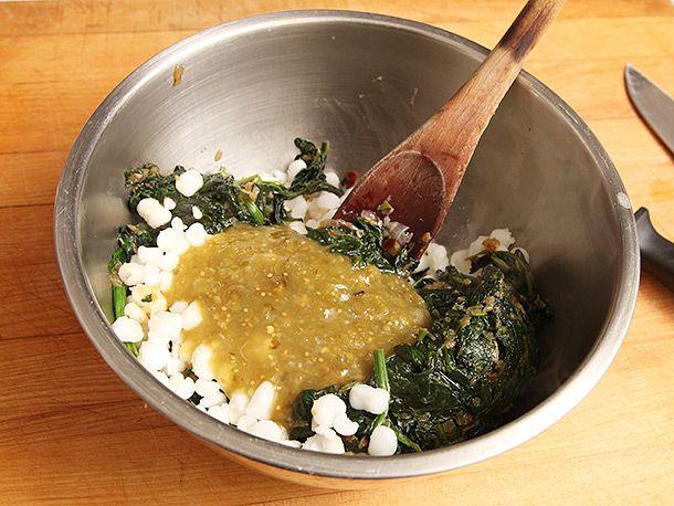 20140211-vegan-enchilada-spinach-hominy-recipe-2.jpg