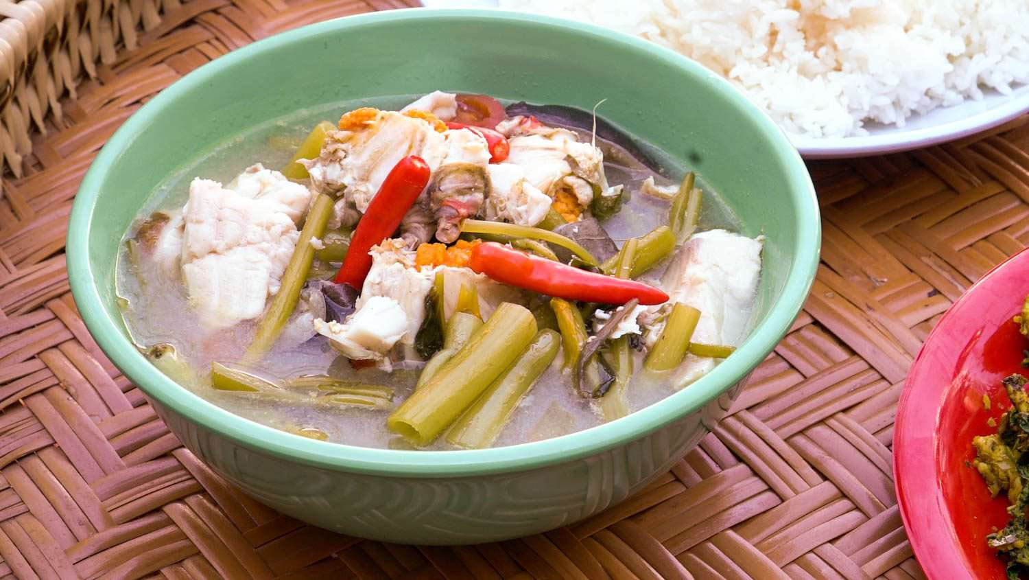 Somlor machew srai (Cambodian fish and crab soup with water spinach)