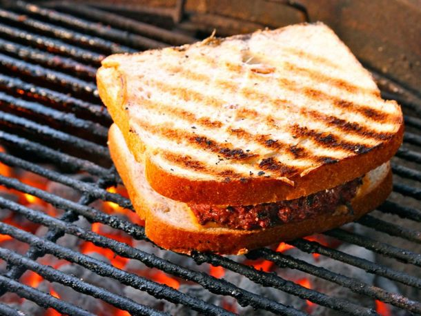 20110516-grilled-patty-melt-primary.jpg