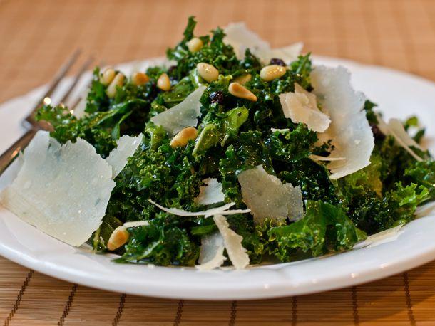 2012-12-05-kale-currants-pinenuts-salad.jpg