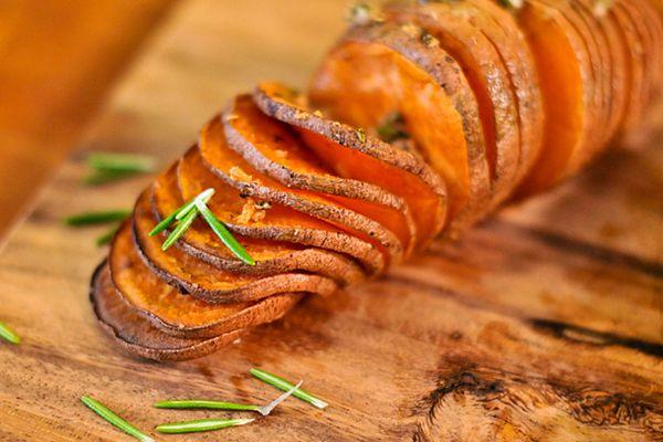 20120219-193550-hasselback-sweet-potatoes.jpg
