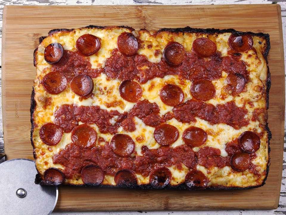 20170216-detroit-style-pizza-44-1500x1125