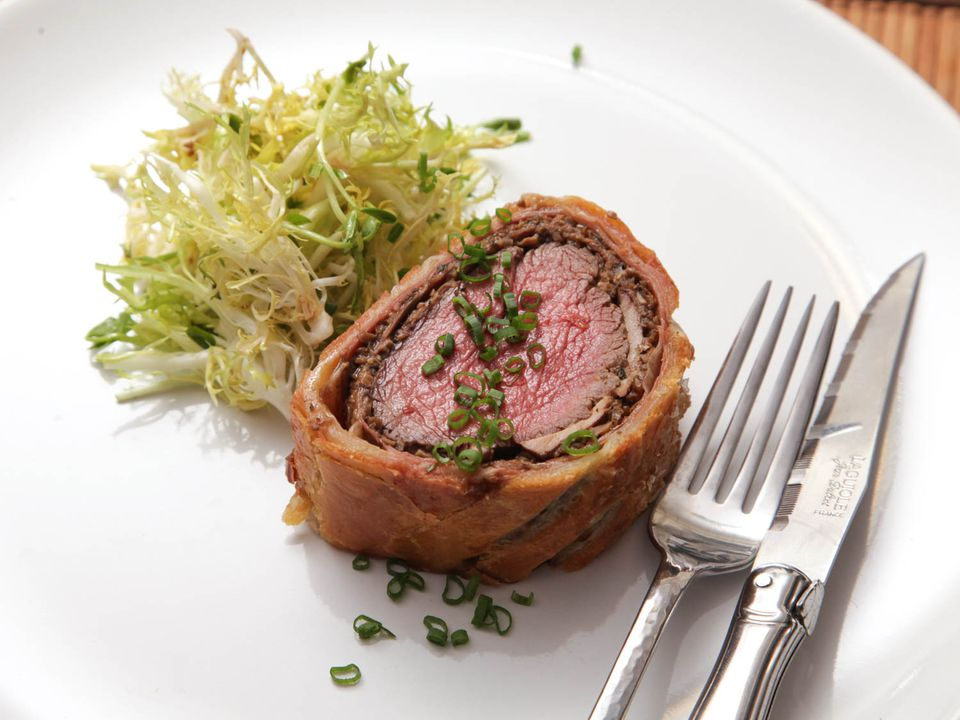 20121213-beef-wellington-food-lab - 01.jpg