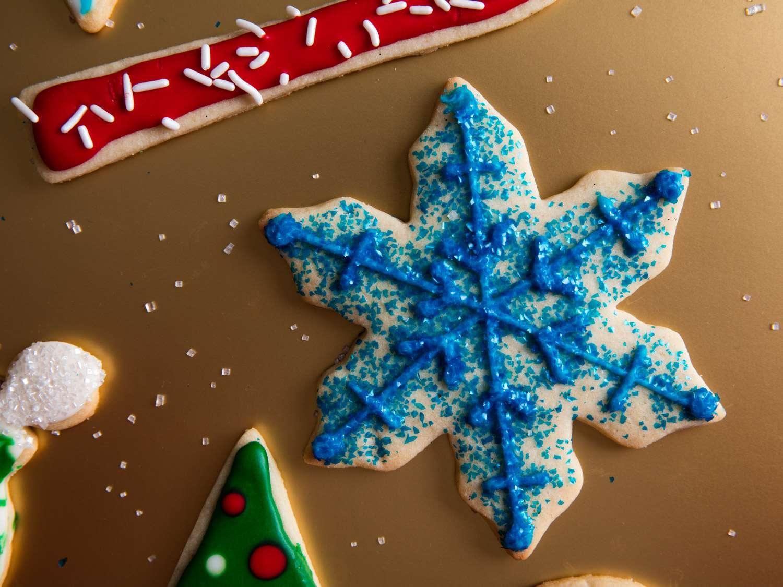 20161207-holiday-cookie-decorating-icing-sugar-cookies-vicky-wasik-5-2.jpg