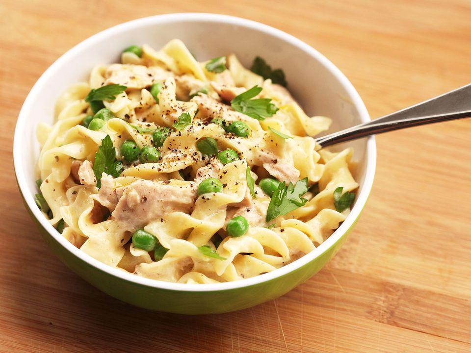 20140904-tuna-noodle-casserole-skillet-easy-food-lab-7.jpg