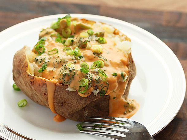 20140214-macaroni-and-cheese-baked-potato-broccoli-cheese-nacho-08.jpg