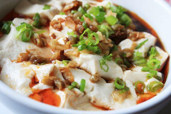 20120823-219718-chichis-chinese-silken-tofu-chili-oil-primary.jpg