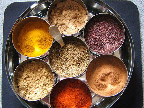 20111117-179564-pantry-spices-masala-dabba-610.jpg