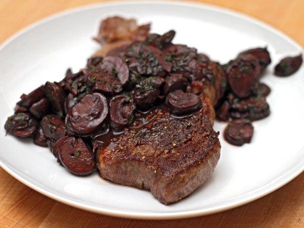 20120124-dt-steak-with-red-wine-mushrooms.jpg