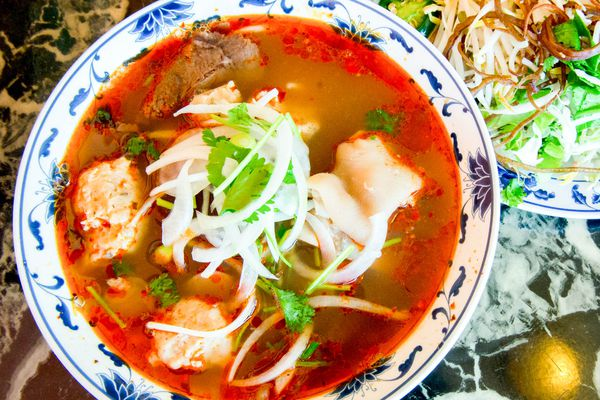 20140901-naomi-tomky-vietnamese-food-hoang-lan-bun-bo-hue.jpg