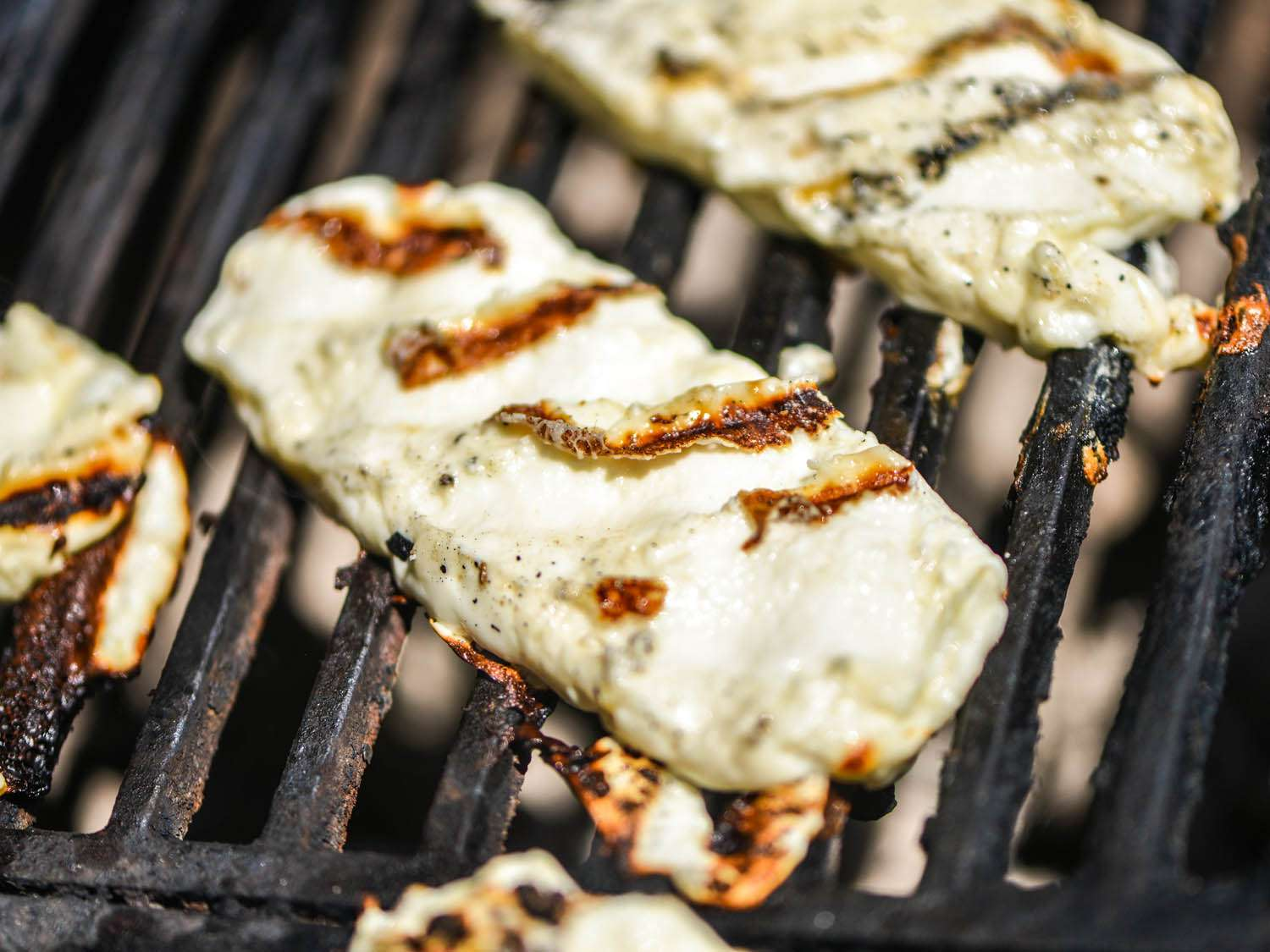 20140710-cheeses-you-can-grill-queso-panela-grilled-joshua-bousel.jpg