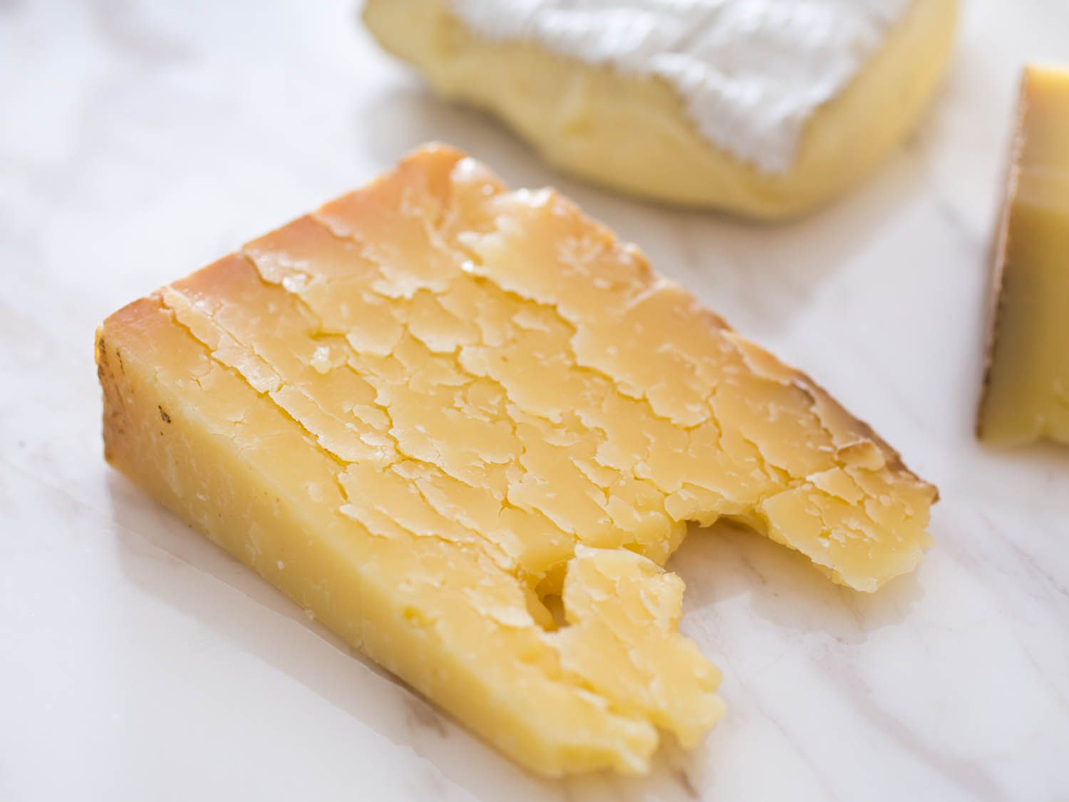 20150206-northeast-cheese-cabot-clothbound-cheddar-vicky-wasik-2.jpg
