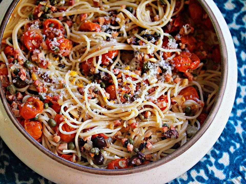 20141010-Serious-Eats-Sunday-Supper-Oven-Roasted-Tomato-Sauce-Salami-Olives-Jennifer-Olvera.jpg