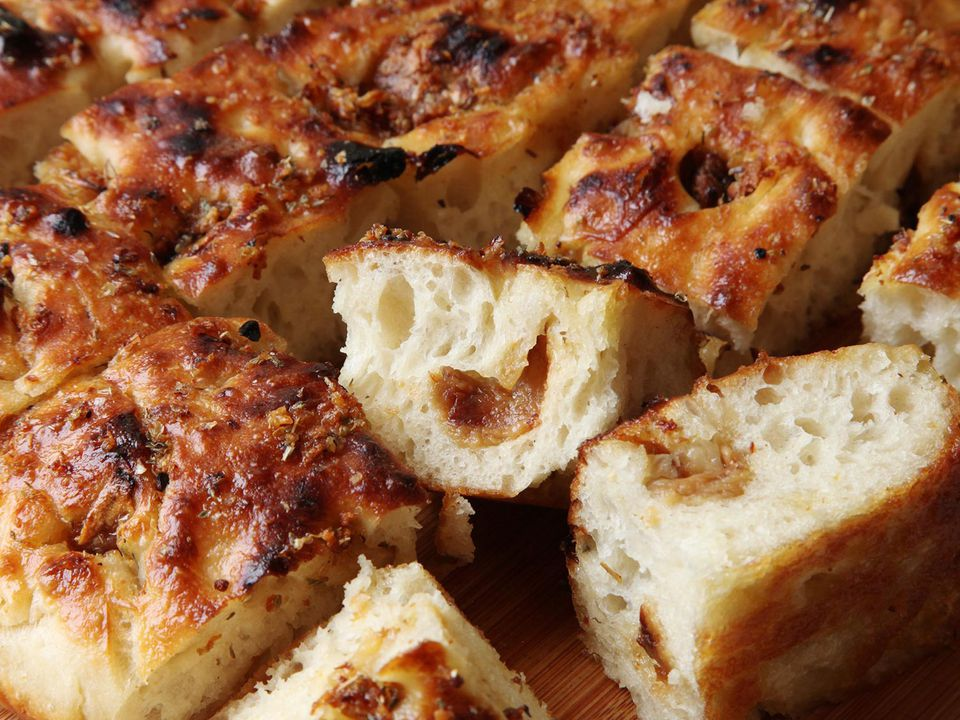 20160515-garlic-focaccia-recipe-19.jpg