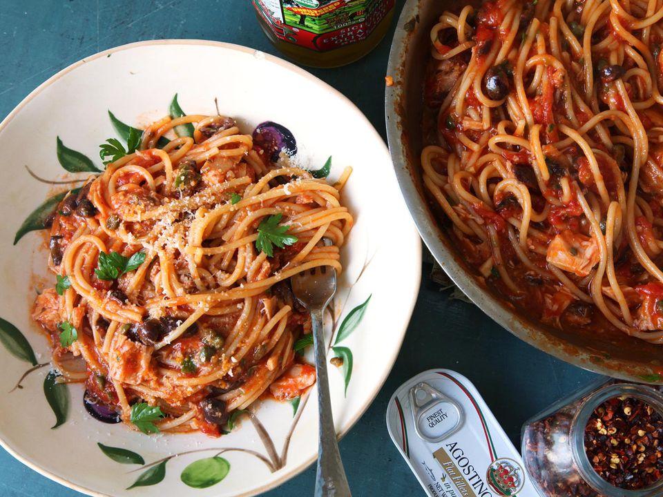 20160221-puttanesca-pasta-week-22.jpg