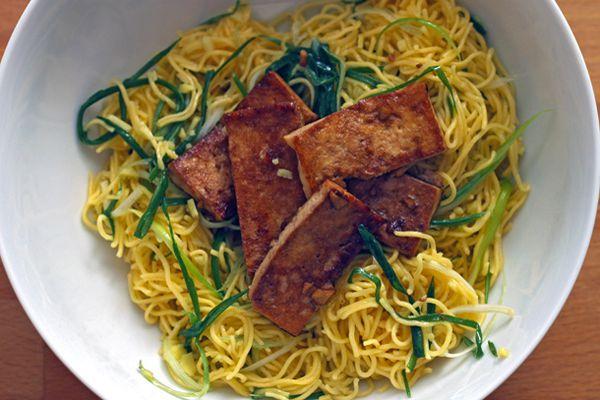 20120313-dt-momofuku-ginger-scallion-noodles.jpg