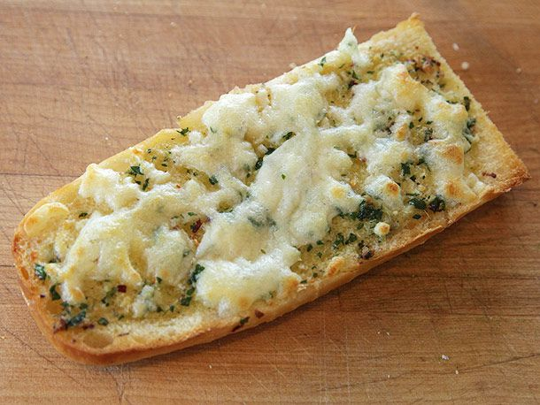 20130305-french-bread-pizza-pizza-lab-10.jpg