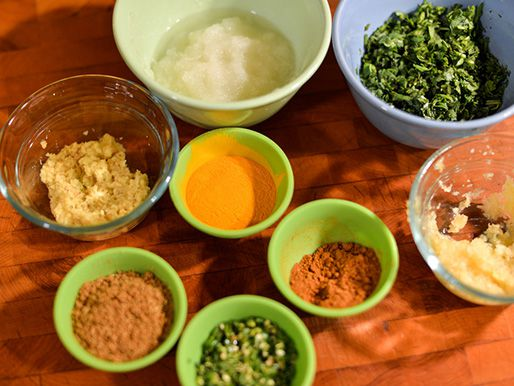 20130913-266378-chicken-keema-spices.jpg