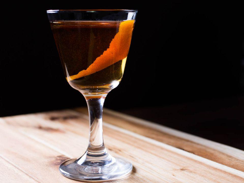 20150618-three-ingredient-cocktails-rob-roy-vicky-wasik.jpg