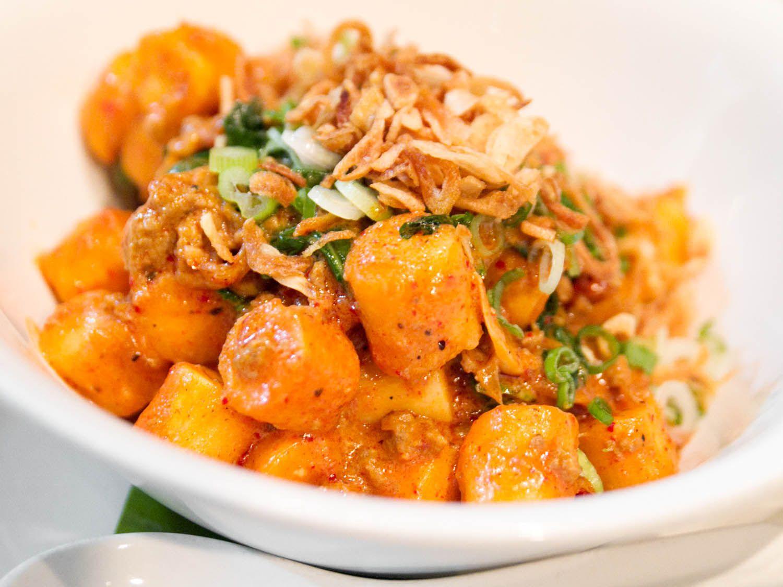 korean-food-momofuku-ssam-bar-spicy-rice-cakes-robyn-lee.jpg