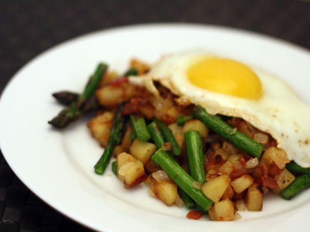 20110518-127355-dinner-tonight-asparagus-hash.jpg
