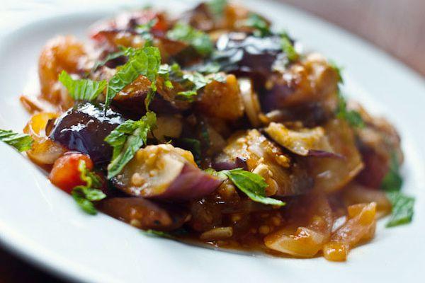 20110816-166387-eggplant-tomatoes-harissa.jpg
