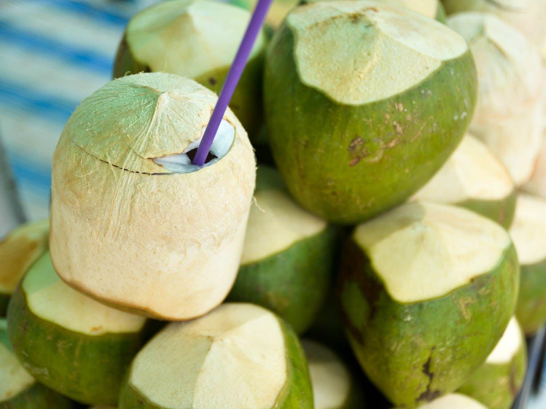 20140805-vietnam-drinks-coconut-barbara-adam.jpg