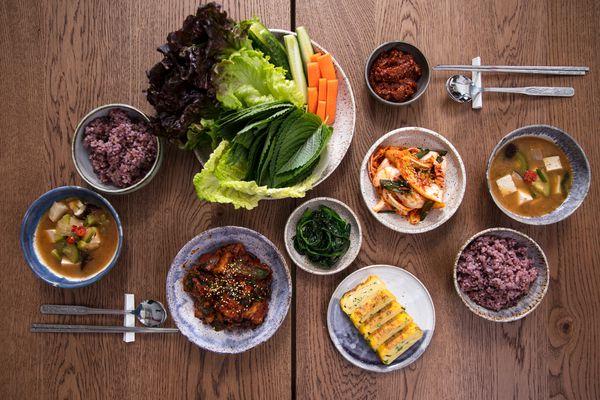20190213-korean-meal-vicky-wasik-1-2