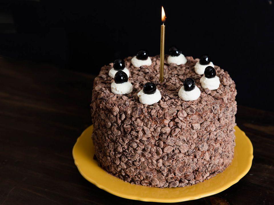 20160226-april-fools-portal-cake-vicky-wasik-1.jpg