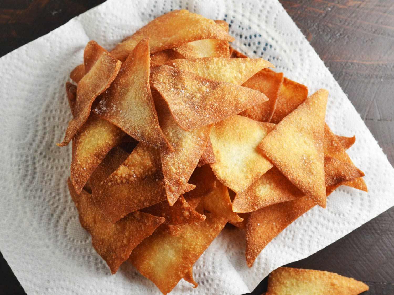 20160122-korean-nachos-wonton-chips-morgan-eisenberg.jpg