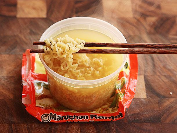 20130917-chicken-instant-ramen-taste-test-8.jpg