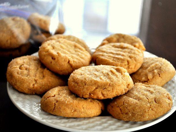20110519-pb-tasting-cookies.JPG