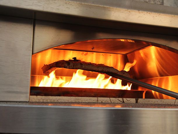 20130713-kalamazoo-pizza-oven-6.jpg
