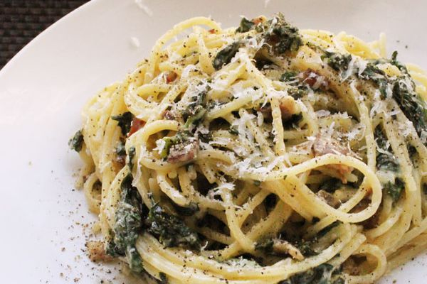 Skillet Spaghetti alla Carbonara with Kale