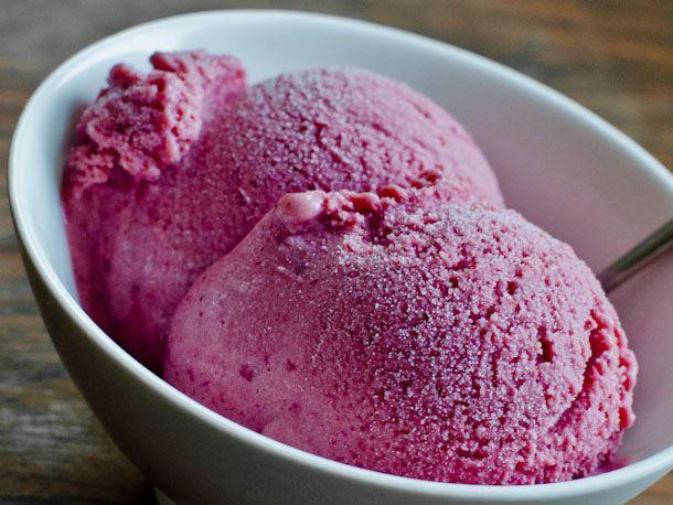 20110722-162052-roasted-plum-ice-cream.jpg