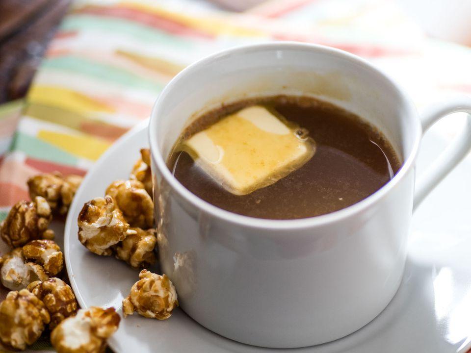 20170105-caramel-popcorn-hot-drink-vicky-wasik-1.jpg