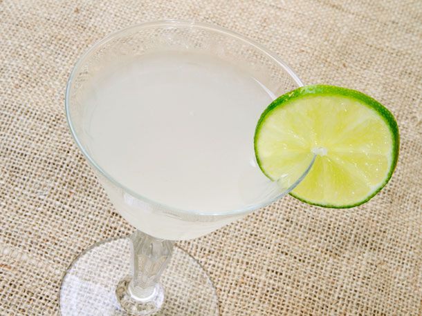 Daiquiri with slice of lime