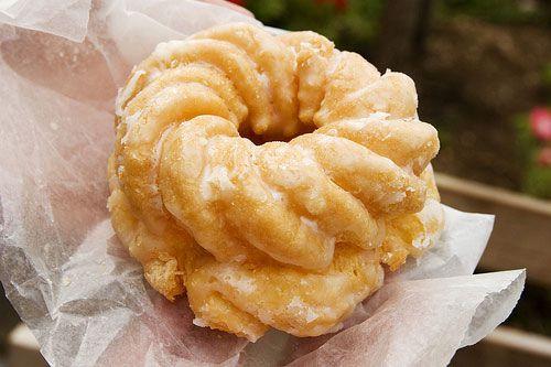 20120202-donut-guide-french-cruller.jpg