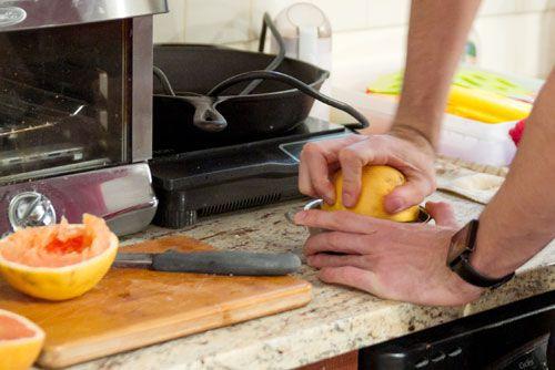 20120116-187926-grapefruit-juice-tasting-office-squeezed.jpg