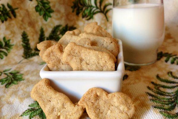 20121211-very-small-anna-animal-crackers-primary.jpg