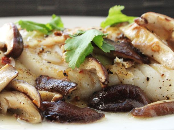 20130109-pan-seared-fish-with-shiitake-mushrooms.jpg